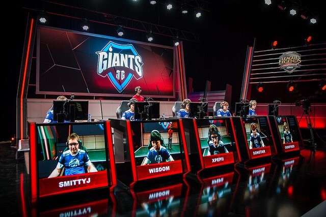 Giants gaming keep the LCS dream going
