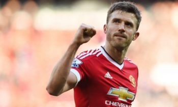 Michael Carrick agrees new one-year deal with Manchester United