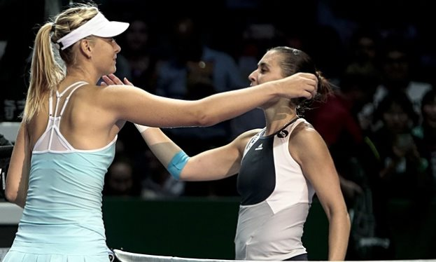 Sharapova advances to WTA Finals Last Four