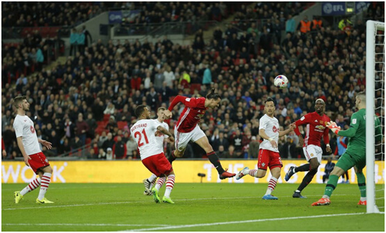 Manchester United wins EFL Cup with Zlatan header