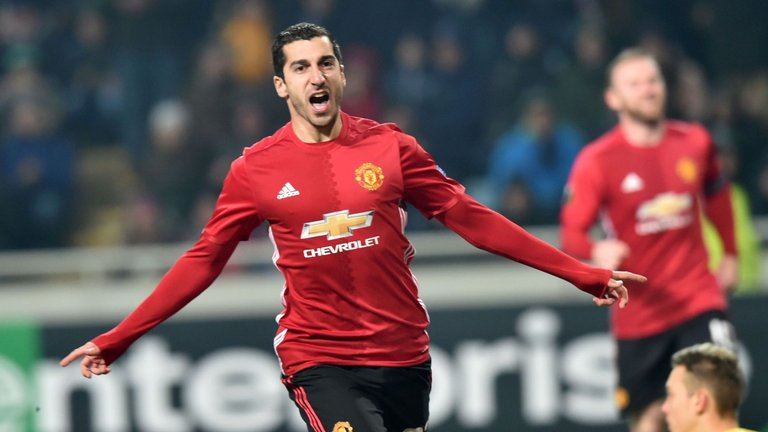 Europa league: Mkhitaryan brilliance sends United through