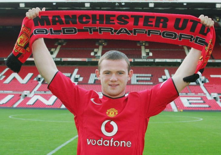 Everton in talks to sign Manchester United captain Wayne Rooney