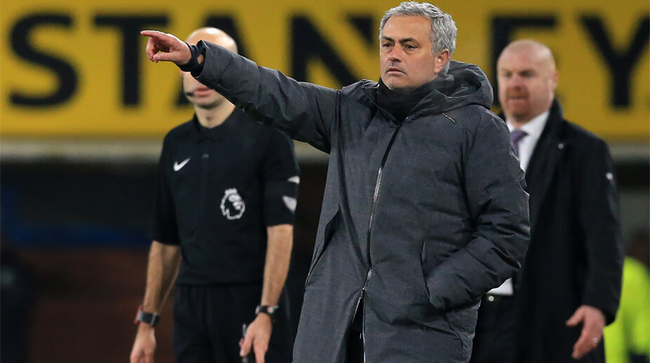 Manchester United boss Jose Mourinho extends Red Devils contract
