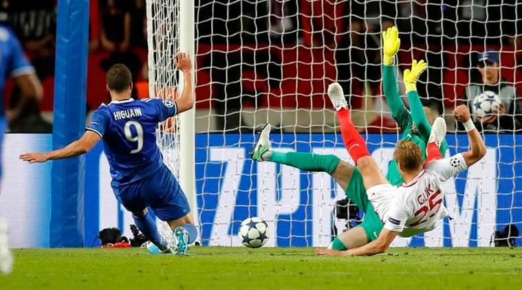 Champions League: Higuain brace puts Juventus in control