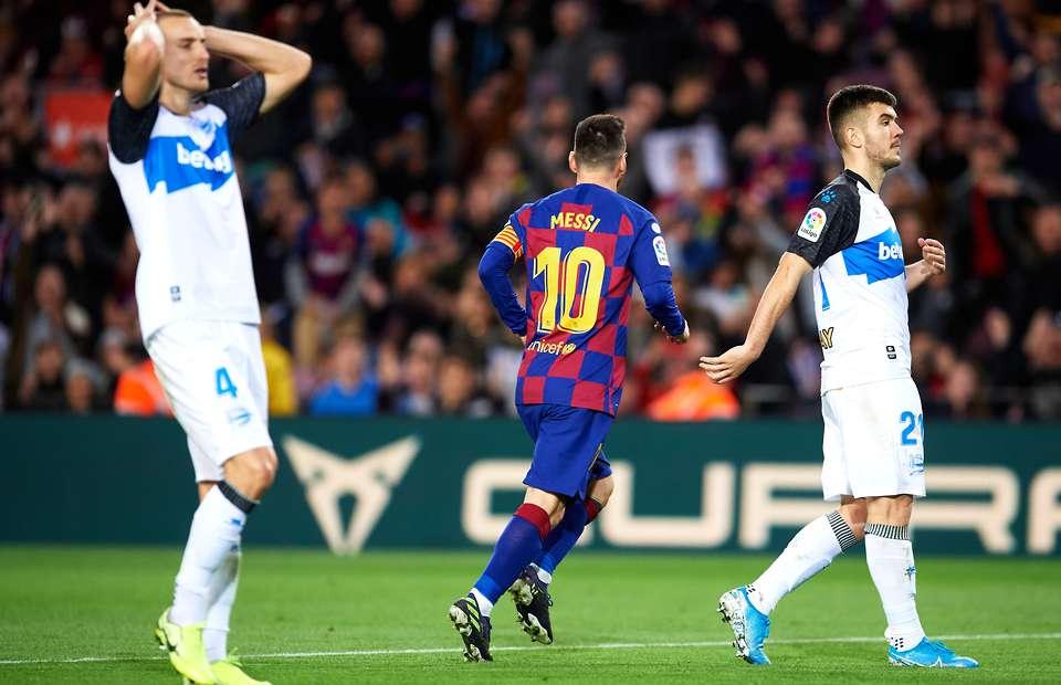 "La Liga: Cristiano Ronaldo gives up penalty in ""wonderful"" gesture"