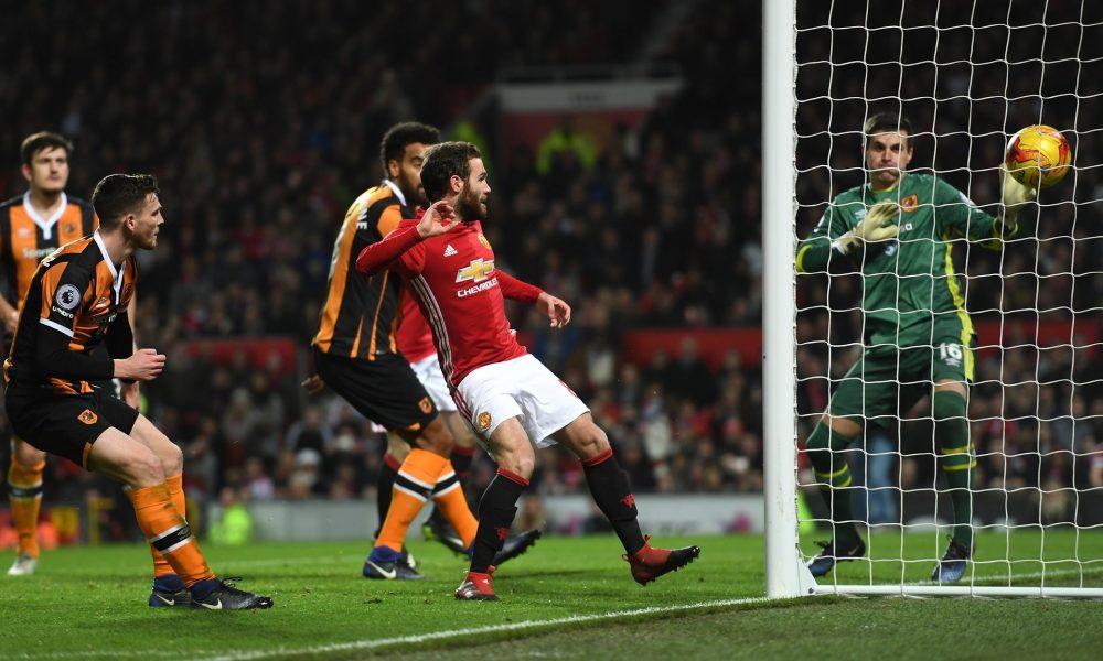 League Cup: United takes advantage into semi-final replay